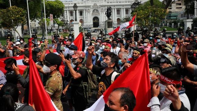 Peru có tổng thống lâm thời thứ hai chỉ trong một tuần ảnh 2