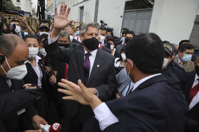Peru có tổng thống lâm thời thứ hai chỉ trong một tuần ảnh 1