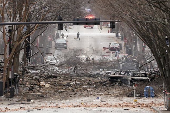 Mỹ: Vụ nổ ngày Giáng sinh là 'tấn công có chủ đích', phát hiện thi thể nghi của người ảnh 1