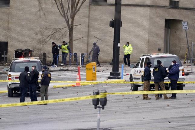 Mỹ: Vụ nổ ngày Giáng sinh là 'tấn công có chủ đích', phát hiện thi thể nghi của người ảnh 11