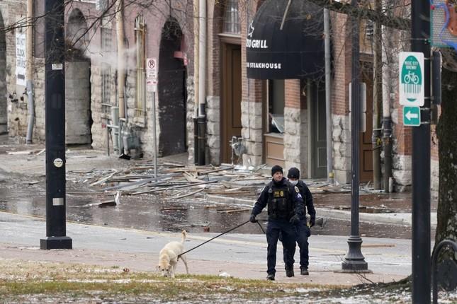 Mỹ: Vụ nổ ngày Giáng sinh là 'tấn công có chủ đích', phát hiện thi thể nghi của người ảnh 12