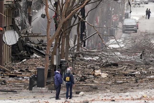 Mỹ: Vụ nổ ngày Giáng sinh là 'tấn công có chủ đích', phát hiện thi thể nghi của người ảnh 2