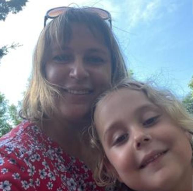 Mỹ: Mẹ ôm con 5 tuổi nhảy xuống từ tòa nhà 12 tầng ảnh 1