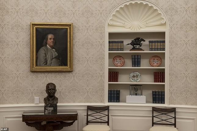 Phòng Bầu dục được bài trí lại để chào đón ông Joe Biden ảnh 11
