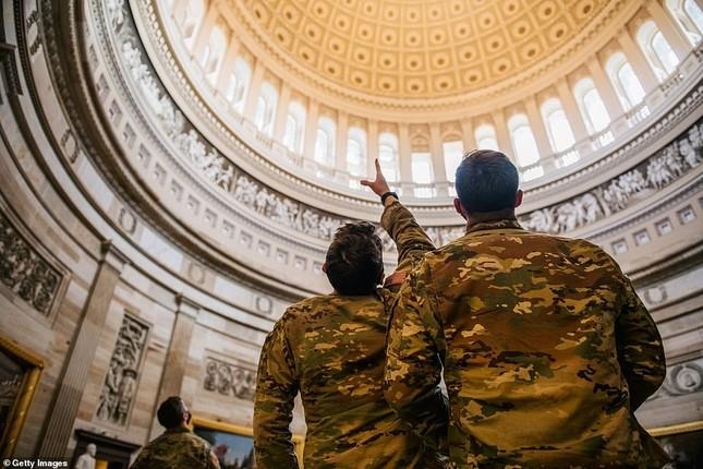 Mỹ: Hàng loạt thống đốc bang tức giận, yêu cầu Vệ binh quốc gia rút khỏi Washington ảnh 3