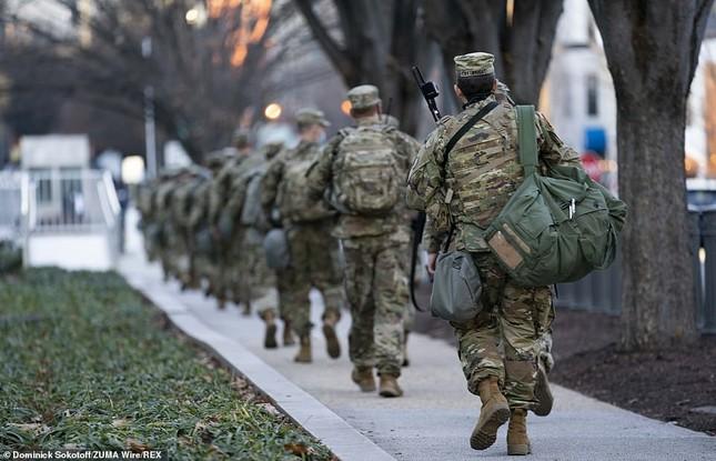 Mỹ: Hàng loạt thống đốc bang tức giận, yêu cầu Vệ binh quốc gia rút khỏi Washington ảnh 4
