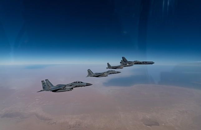 Mỹ đưa 'pháo đài bay' B-52 áp sát Iran một tuần sau lễ nhậm chức của ông Biden ảnh 2