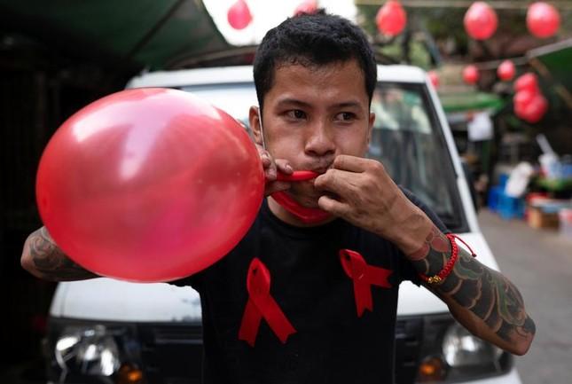 Myanmar: Dân tránh gọi điện thoại, dùng mật mã vì sợ bị nghe lén ảnh 5