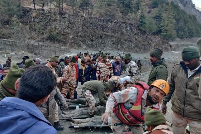 Lũ băng ở Ấn Độ: Tìm thấy 18 thi thể, còn 200 người mất tích ảnh 1