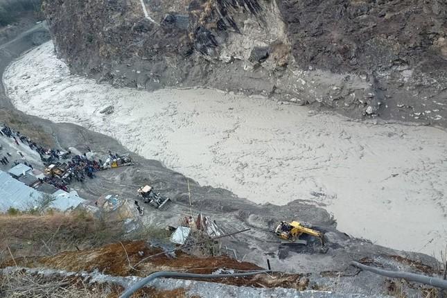 Lũ băng ở Ấn Độ: Tìm thấy 18 thi thể, còn 200 người mất tích ảnh 3