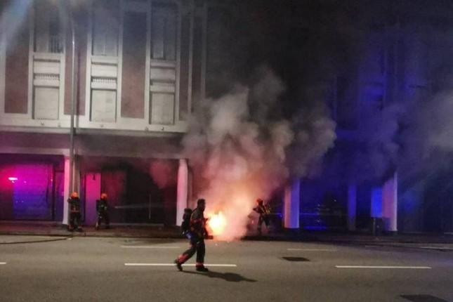 Thảm kịch Tết Nguyên đán Singapore: Xe hơi lao vào cửa hàng, 6 người thương vong ảnh 1