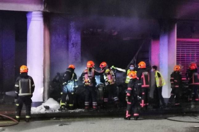 Thảm kịch Tết Nguyên đán Singapore: Xe hơi lao vào cửa hàng, 6 người thương vong ảnh 2