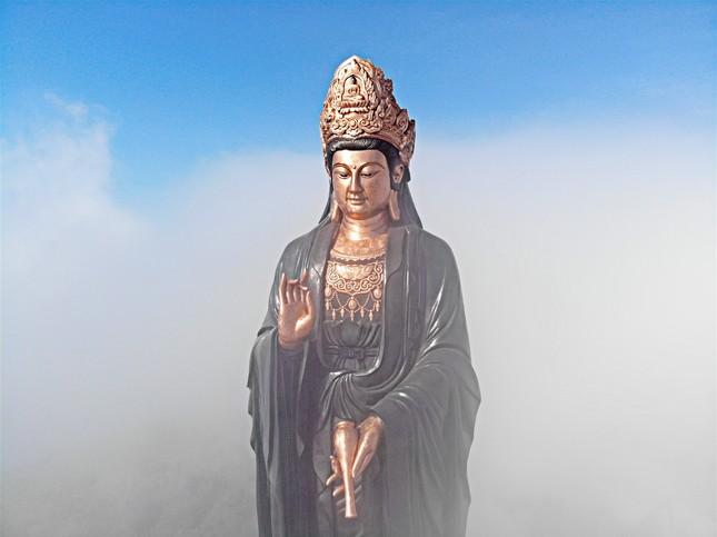 Ngắm nhìn Núi Bà Tây Ninh đẹp vi diệu những ngày đầu xuân ảnh 2