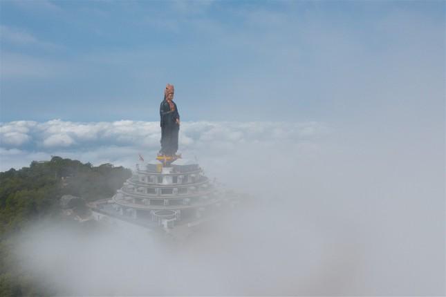 Ngắm nhìn Núi Bà Tây Ninh đẹp vi diệu những ngày đầu xuân ảnh 3