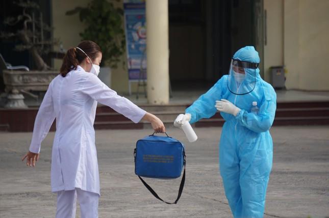 Nữ nhân viên dương tính SARS-CoV-2, phong tỏa Bệnh viện GTVT Hải Phòng ảnh 9