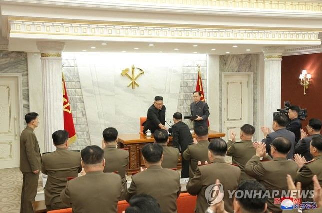 Quân đội Triều Tiên 'thay máu' với Tư lệnh Hải quân, Tư lệnh Không quân mới ảnh 1