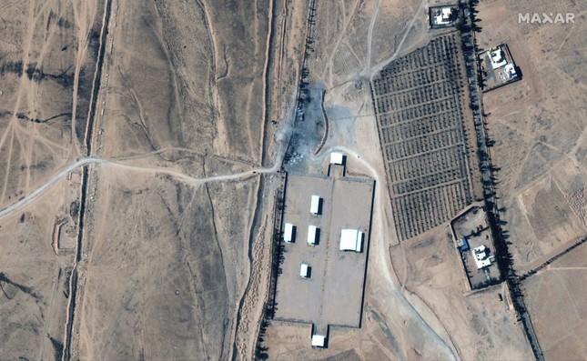 Ảnh vệ tinh hé lộ thiệt hại vụ Mỹ ném 7 quả bom xuống Syria ảnh 5