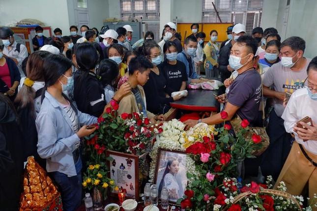 Chính quyền Myanmar khai quật mộ người biểu tình, hé lộ kết luận gây sốc ảnh 2