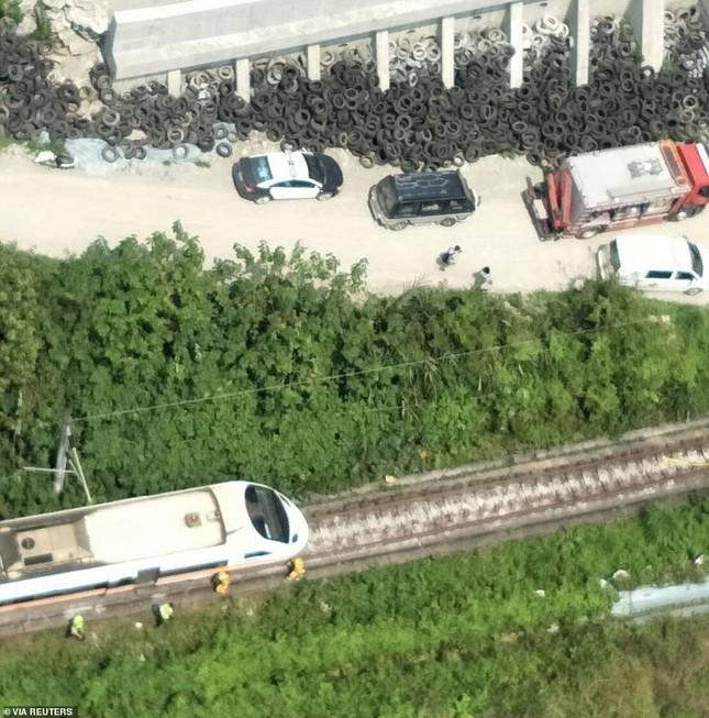 Nhân chứng vụ tai nạn tàu hỏa thảm khốc ở Đài Loan: 'Mọi người ngã đè lên nhau' ảnh 2