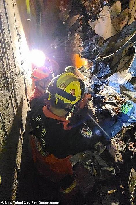 Nhân chứng vụ tai nạn tàu hỏa thảm khốc ở Đài Loan: 'Mọi người ngã đè lên nhau' ảnh 4