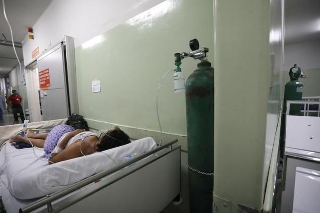 Reuters: Thế giới vượt mốc 3 triệu ca tử vong vì COVID-19 ảnh 1