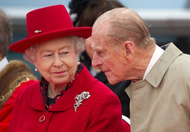 Loạt ảnh ghi dấu chuyện tình đẹp như cổ tích của Hoàng tế Philip và Nữ hoàng Elizabeth ảnh 33