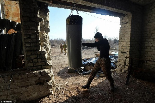 Nổ súng ở khu vực giáp Nga, hai binh sĩ Ukraine thương vong ảnh 7