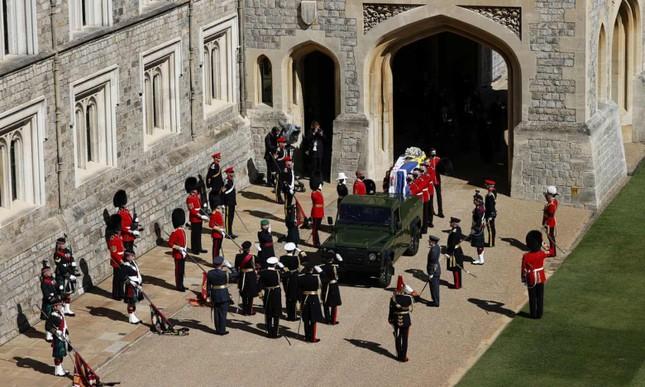 Hoàng gia Anh tiễn đưa phu quân Nữ hoàng Elizabeth II ảnh 1