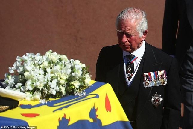 Hoàng gia Anh tiễn đưa phu quân Nữ hoàng Elizabeth II ảnh 6
