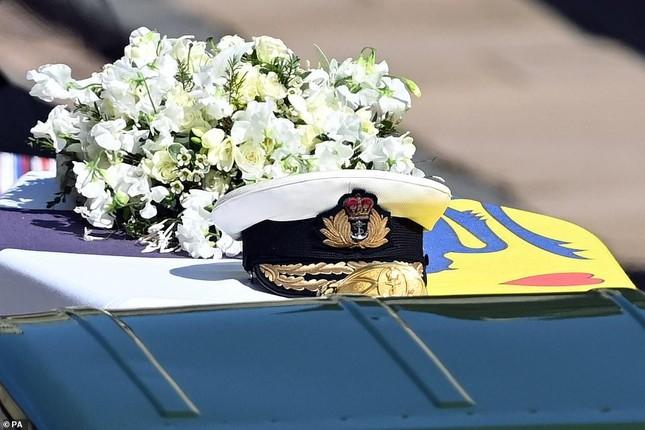 Hoàng gia Anh tiễn đưa phu quân Nữ hoàng Elizabeth II ảnh 5