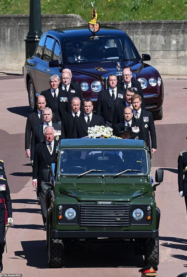 Hoàng gia Anh tiễn đưa phu quân Nữ hoàng Elizabeth II ảnh 4