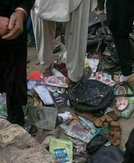 Đánh bom trường học ở Afghanistan, hơn 200 người thương vong ảnh 2