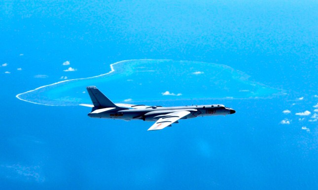 Phó tổng thống Mỹ chỉ trích lối hành xử của Trung Quốc ở biển Đông ảnh 1