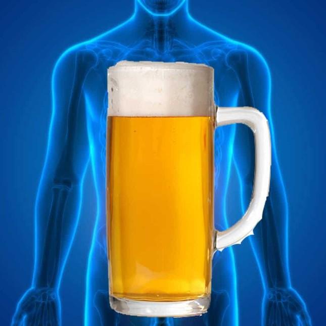 Kỳ lạ người đàn ông không uống cũng say vì ruột tự sinh ra rượu ảnh 1