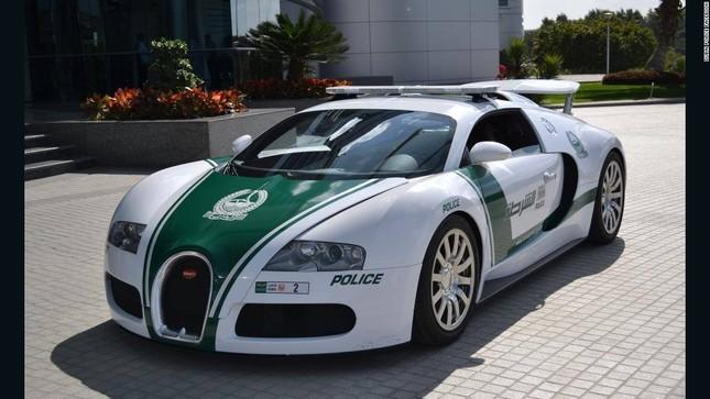 Đội xe cứu thương, xe cảnh sát 'sang chảnh' của Dubai ảnh 4