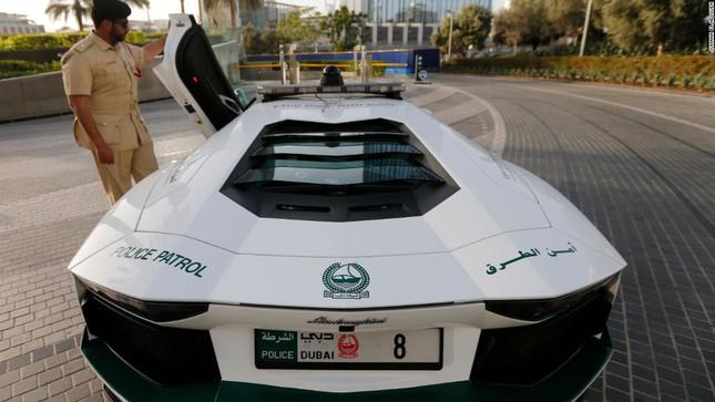 Đội xe cứu thương, xe cảnh sát 'sang chảnh' của Dubai ảnh 7