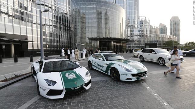 Đội xe cứu thương, xe cảnh sát 'sang chảnh' của Dubai ảnh 11