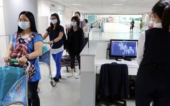 17 người chết vì coronavirus mới, bệnh lây nhiều nước, WHO họp khẩn ảnh 1