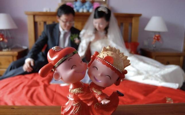 Vì coronavirus mới, Trung Quốc ngừng tour đoàn toàn quốc, huỷ cấp giấy hôn thú ảnh 1