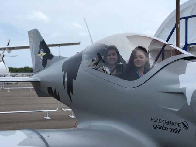 Những máy bay quân sự đình đám ở Singapore Airshow ảnh 4