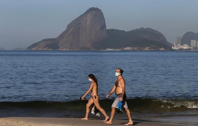 Brazil cực nhọc vật lộn với COVID-19 ảnh 17