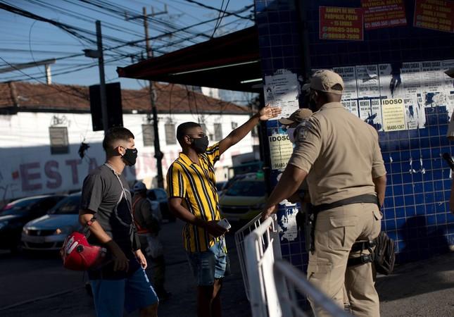 Brazil cực nhọc vật lộn với COVID-19 ảnh 22