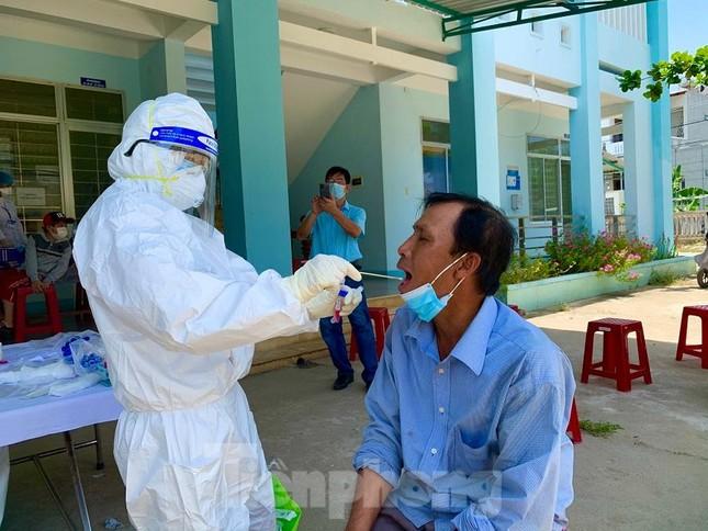 CẬP NHẬT COVID-19 ngày 6/5: Bệnh viện K siết phòng dịch, phạt người không đeo khẩu trang ảnh 20