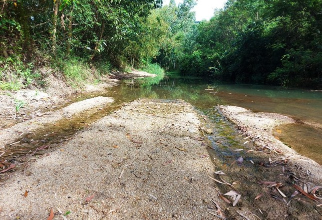 Vụ học sinh lớp 7 đuối nước thương tâm: Xã nói không có dấu hiệu khai thác cát ảnh 4