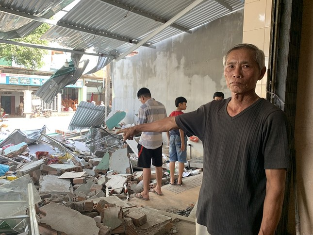 Hiện trường tan hoang vụ 'xe điên' lao vào nhà dân ở Quảng Ngãi ảnh 8