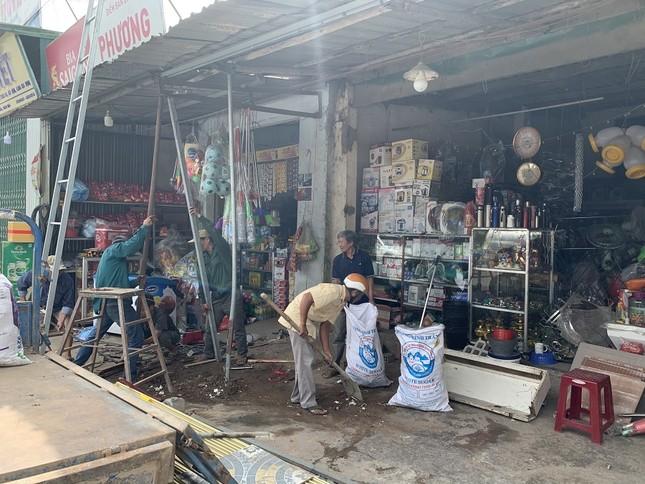 Hiện trường tan hoang vụ 'xe điên' lao vào nhà dân ở Quảng Ngãi ảnh 10