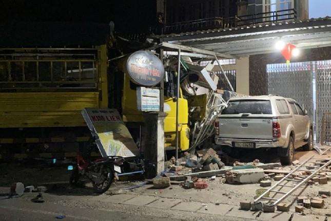 Hiện trường tan hoang vụ 'xe điên' lao vào nhà dân ở Quảng Ngãi ảnh 14
