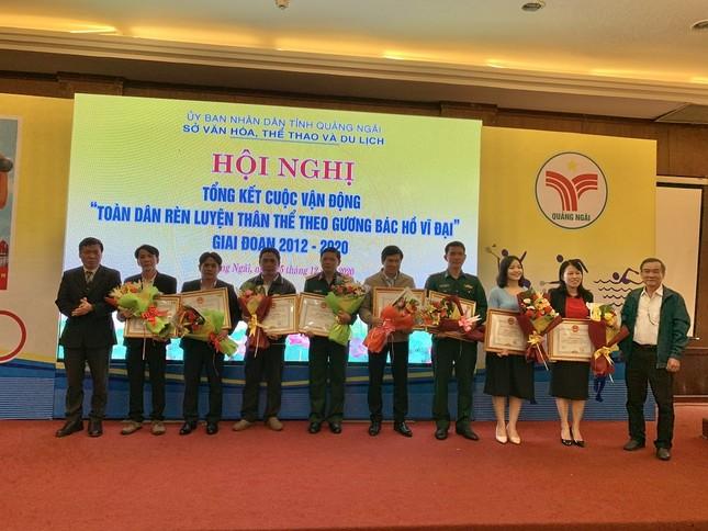 Quảng Ngãi khen thưởng tập thể và cá nhân tham gia tổ chức giải Marathon Tiền Phong 2020 ảnh 1