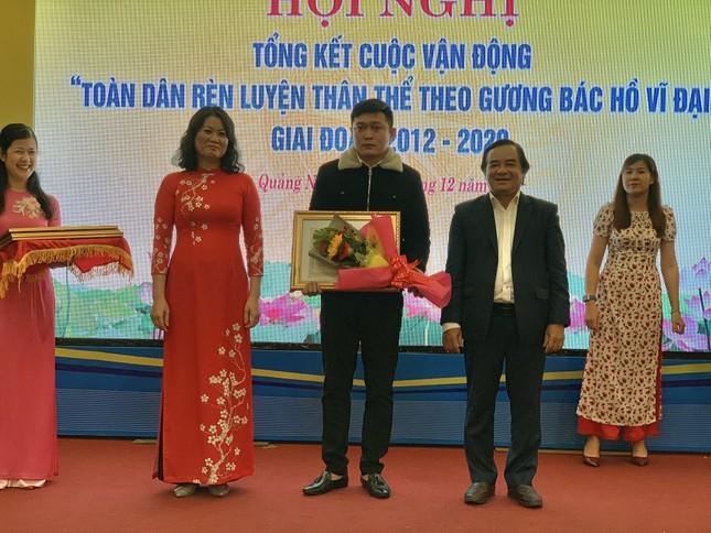 Quảng Ngãi khen thưởng tập thể và cá nhân tham gia tổ chức giải Marathon Tiền Phong 2020 ảnh 2