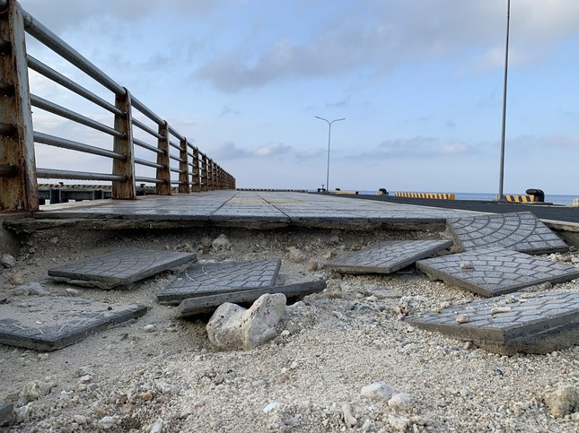 Công trình 250 tỷ chưa nghiệm thu đã 'thương tích đầy mình' vì bão ảnh 5